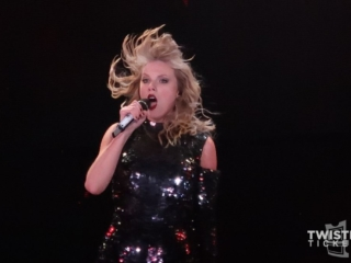 Taylor swift concert photo